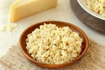 This is about Cheap keto lunch ideas – 10min Cheesy cauliflower rice keto
